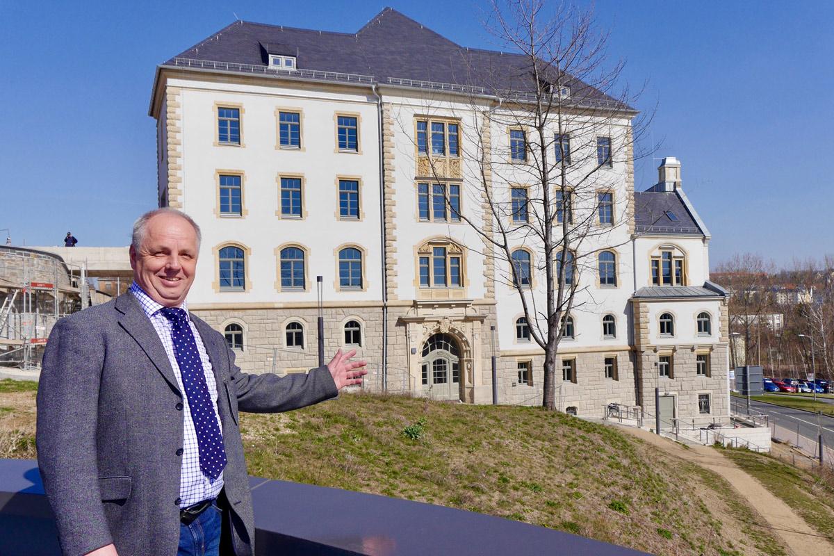 Prof. Dr. Lutz Neumann als Direktor der Berufsakademie Plauen